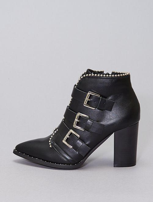 Stivali con borchie e tacco                             nero