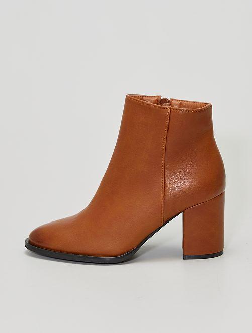 Stivali con tacco                             cammello