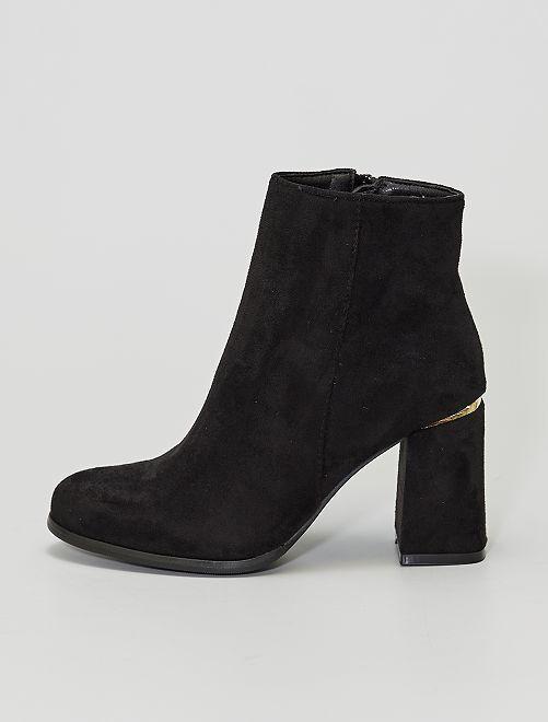 Stivali con tacco in finto camoscio                                         nero