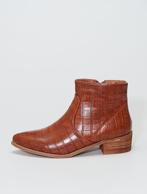 Stivali con tacco testurizzato                             cammello