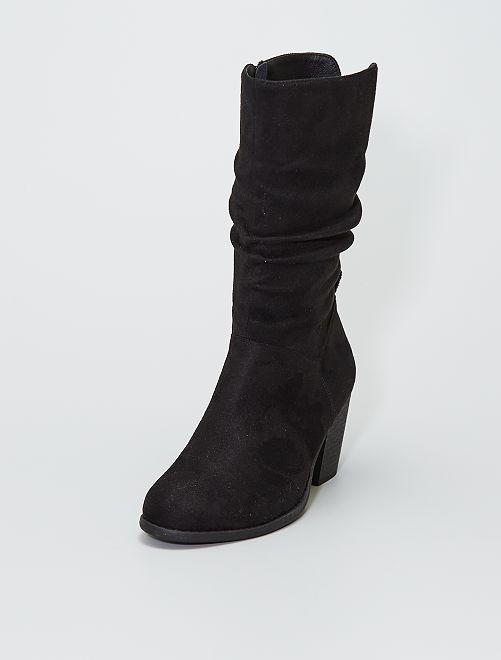 Stivali stile cavallerizza in finto camoscio                             nero