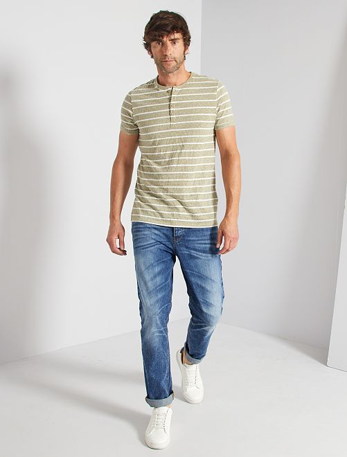T-shirt a righe con bottoni                                         a righe kaki