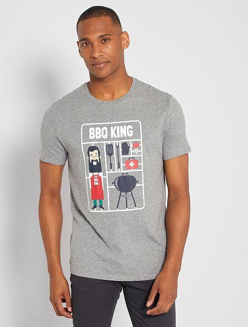T-shirt eco-sostenibile 'BBQ'                                                                                                                                                                                                                                                                 GRIGIO