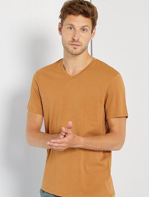 T-shirt regular in cotone scollo a V                                                                                                                                                                                                                                                                 BEIGE