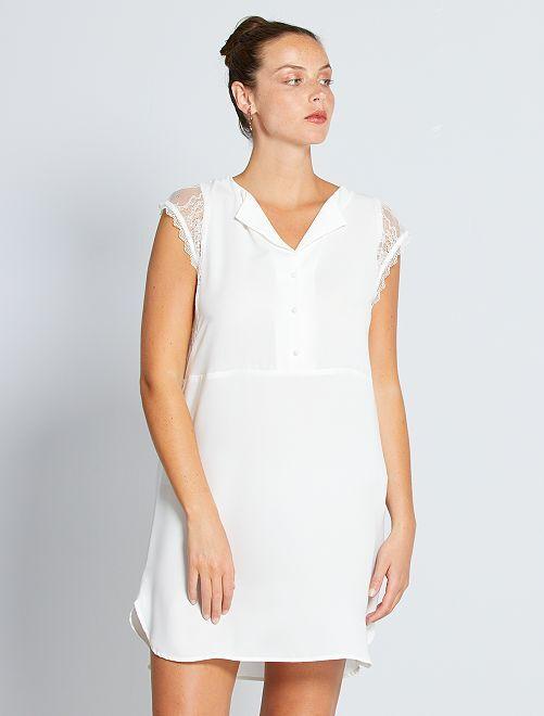 Vestito corto con maniche in pizzo                                                                 bianco neve